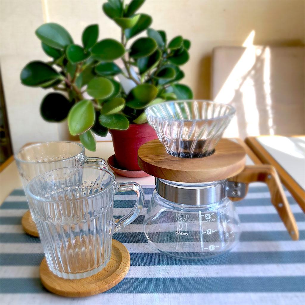 IKEAのガラス食器とHARIOのドリッパー